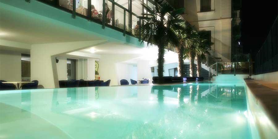 hotel kursaal con piscina fronte mare