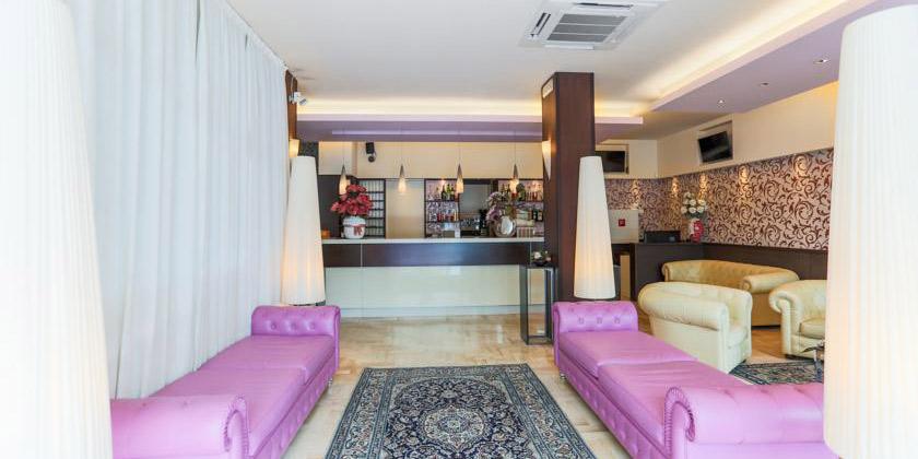 Offerte settimanali a Riccione in Pensione Completa Hotel De Londres