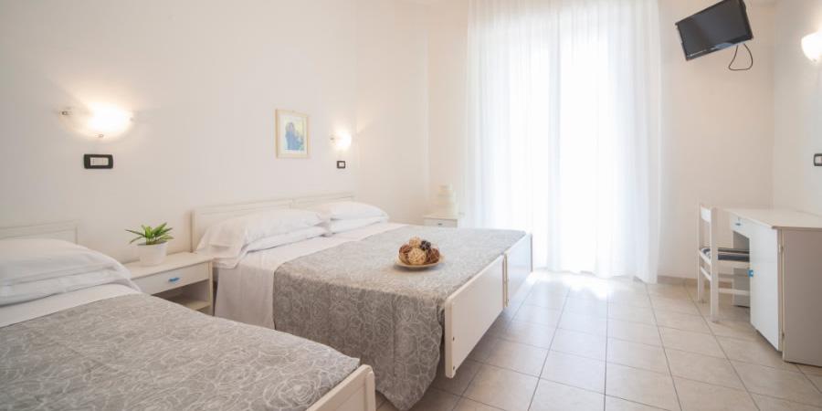 Offerte in Pensione Completa a Rimini Hotel Aquila Azzurra