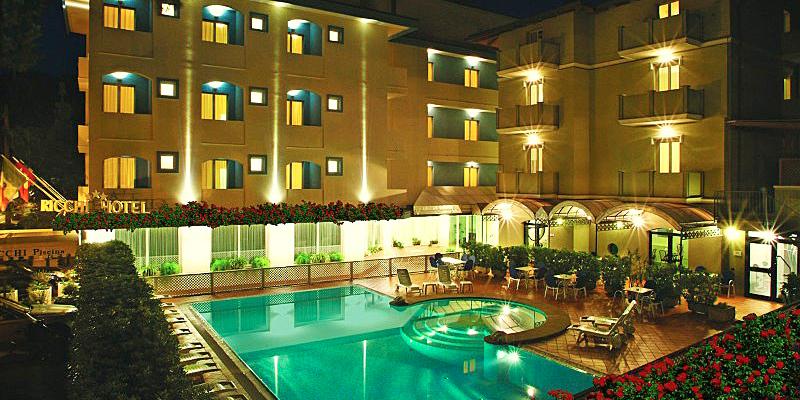 offerta all inclusive con spiaggia hotel tre stelle a rimini con piscina
