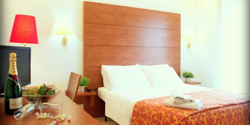 offerta b&b hotel tre stelle di rimini con piscina